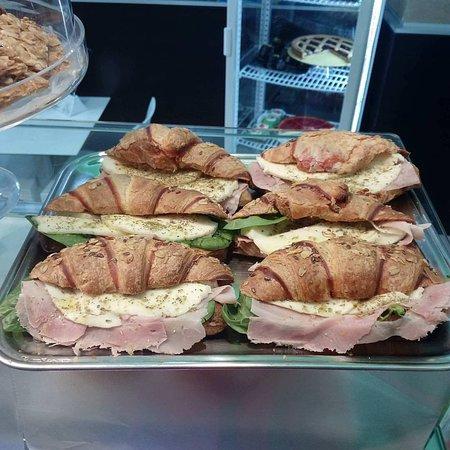 Provincia di Siracusa, Italia: Cornetti salati e squisiti, venite a provarli!