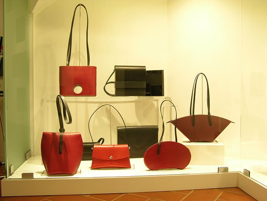 Ab OVO Gallery : Unique leather bags made by Ulrich Czerny