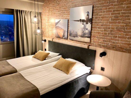 Airport Hotel Bonus Inn : Uusittu Superior 2 hengen huone
