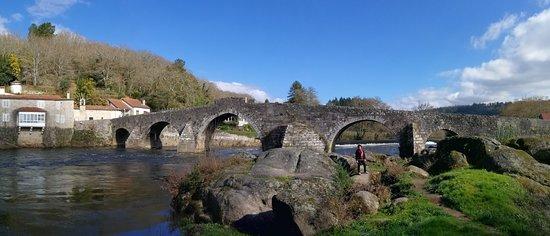 Negreira, España: Un puente en un entorno precioso