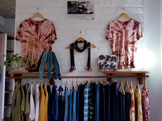 Auroville, Ινδία: In our showroom we sell only garments dyed using our own 100% eco-friendly natural dye processes