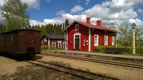 Jokioinen, Φινλανδία: Kesäinen Minkiön asemamiljöö