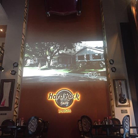 hard rock cafe lisboa lissabon baixa rossio restauradores restaurant bewertungen. Black Bedroom Furniture Sets. Home Design Ideas