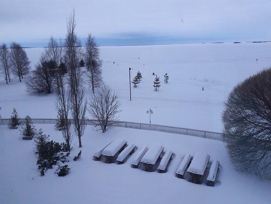 Break Sokos Hotel Eden Frozen Sea Snow Covered Beach