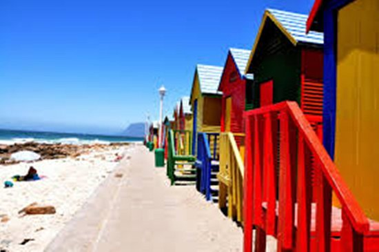 Lakeside, Sudáfrica: Muizenberg Beach with legendary fine sand