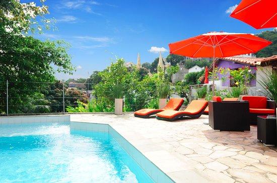 Casa Cool Beans B&B: Fabulous sun deck and pool with views of Santa Teresa