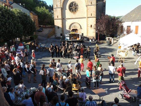 Saint-Sever-du-Moustier, Frankrike: Bartas Festival - week-end du 14 juillet
