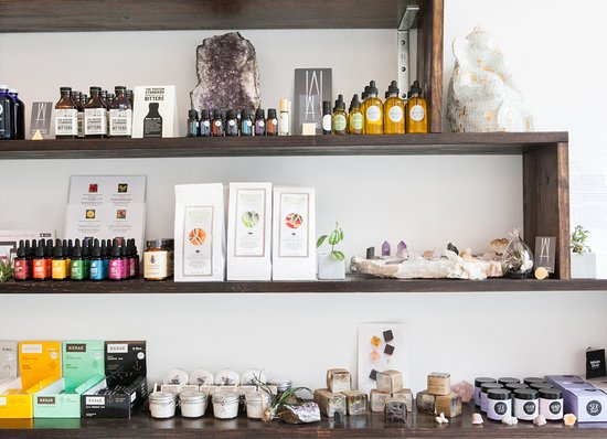 New Woodstock, نيويورك: Carefully curated Apothecary... 
