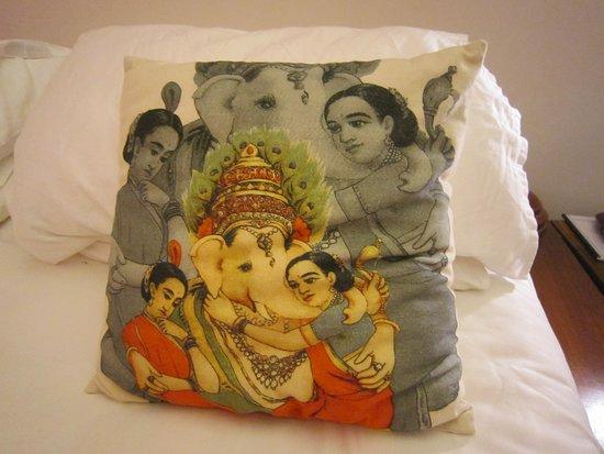 Malabar House: cushion in room