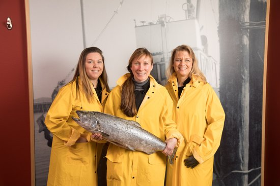 Anacortes, WA: Get your photo taken with our Giant King Salmon!