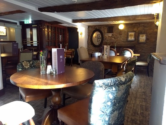 Threlkeld, UK: Horse & Farrier Inn dining area