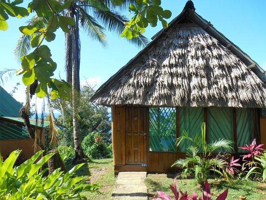 Punta Marenco Lodge: Hutte constituant la chambre / sdb