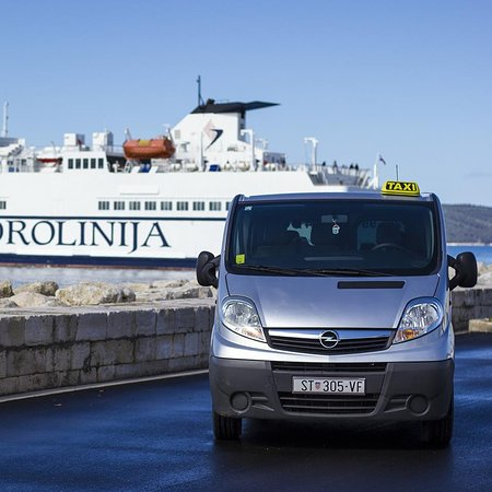 Our service offers ferry transfers to Supetar, Sumartin and Milna,drop-offs anywhere on the isla