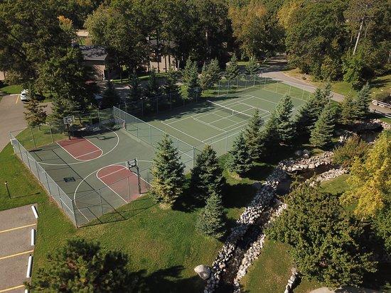 Kavanaugh's Sylvan Lake Resort: Tennis and Basketball