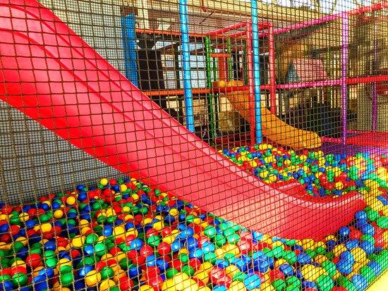 Play & Bounce