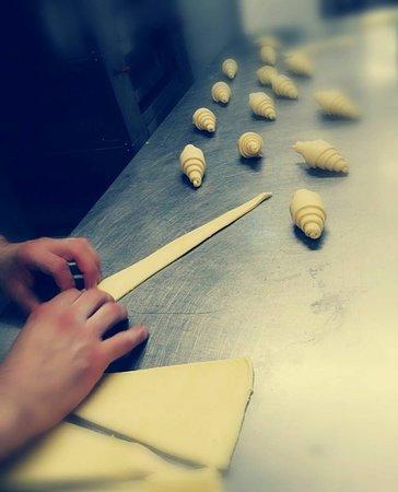 Sellero, إيطاليا: cornetti artigianali