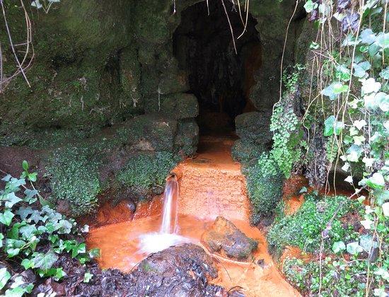 Cascate Dell'Acquarossa: la sorgente dell'acquarossa
