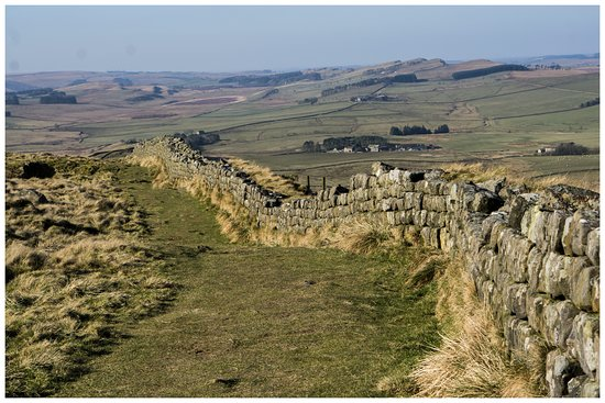 Walltown Crags - Hadrian's Wall: Looking towards the west