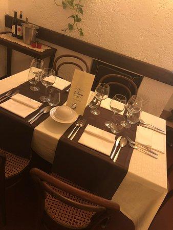 Берегуардо, Италия: Sobrietà ed eleganza.