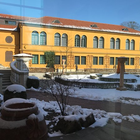 Städtische Galerie im Lenbachhaus: photo1.jpg