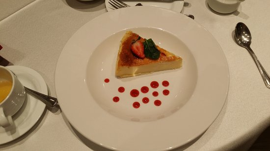 Clarion Hotel Real Tegucigalpa: Cheesecake to top off my Meal.