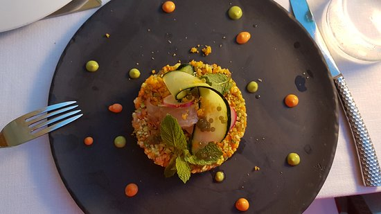 Quercianella, Italy: Vorspeise: rote Meerbarbe mit Risotto
