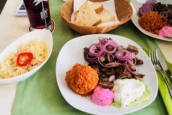 Bobingen, Niemcy: Gyros mit Reis und Salat