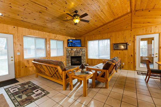 SandHaven Resort: This is one of our beautiful 5 bedroom cabins.
