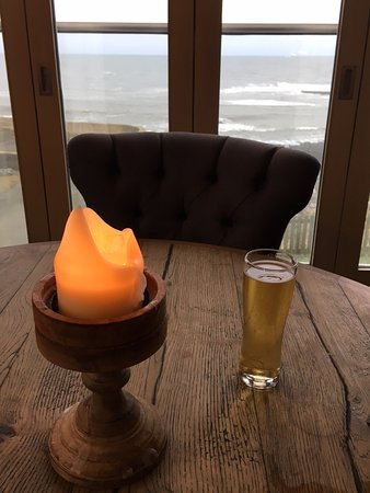Craster, UK: The end table looking straight out to Sea