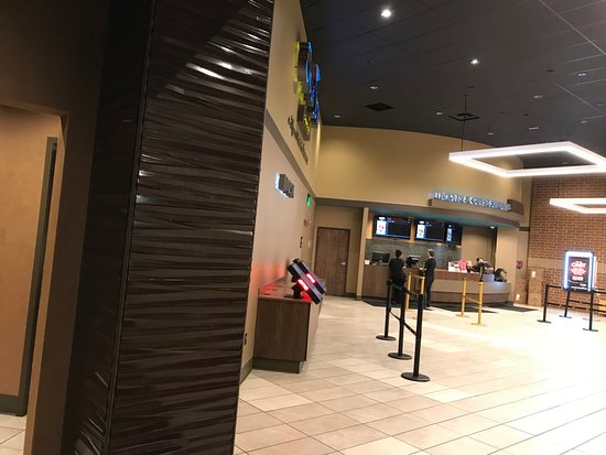 Holly Springs, Carolina del Norte: Inside where you can buy Tickets.