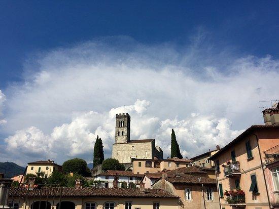 Barga un des plus beaux bourgs d'Italie, en Toscane