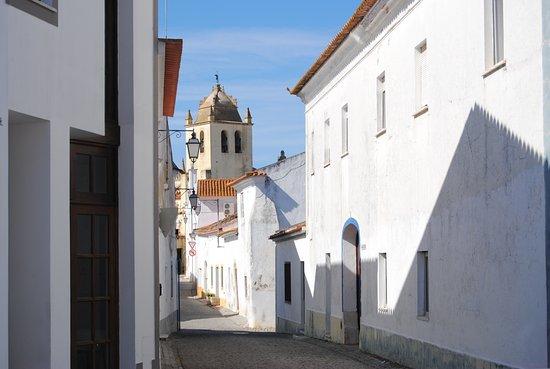 Things To Do in Igreja de Nossa Senhora da Assuncao, Restaurants in Igreja de Nossa Senhora da Assuncao