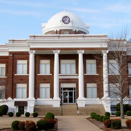 Dyersburg, TN: Various photos of the Dyer County Courthouse