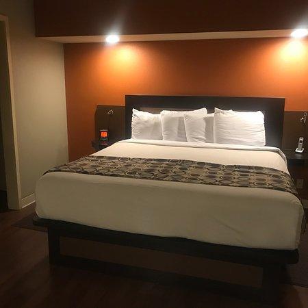 Hotel At WaterWalk: photo1.jpg