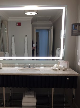 Four Seasons Hotel Washington, DC: Bathroom