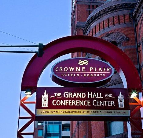 Crowne Plaza Indianapolis Downtown (Union Station): Exterior