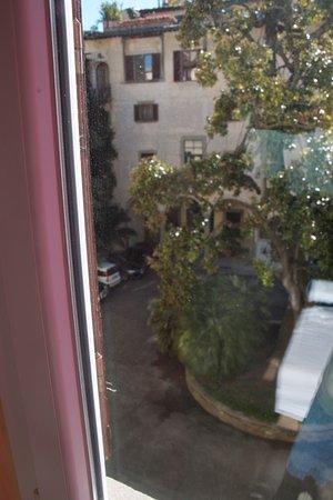 Hotel Dali: View of courtyard