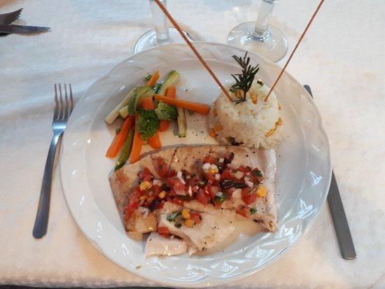 Encanto: Superb dinner. Go there!