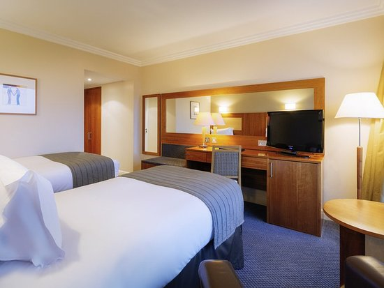 Sofitel London Gatwick: Guest room