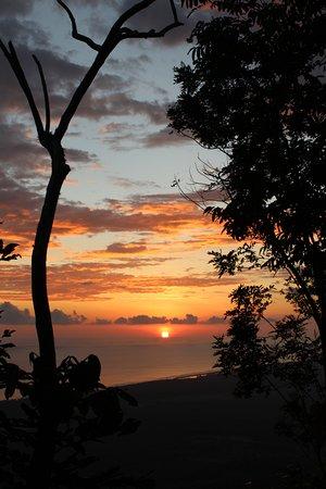 Playa Matapalo, Costa Rica: Sunset views from the back patio