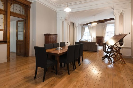GRAND PLACE LOMBARD APARTMENTS - Prices & Specialty Inn ...