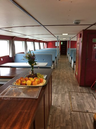 Solvorn, Norway: Cafeteria and spacious lower lounge (there is also an upper lounge)