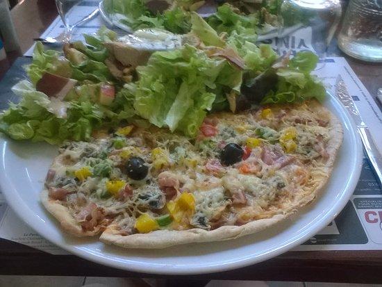 Decazeville, Γαλλία: menu à 11.50€ 1/2 pizza au choix +1/2 salade au choix