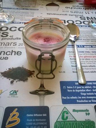 Decazeville, Γαλλία: un dessert prix à la carte( 4.50€) qui est au menu à 13.50€ panna cotta de framboise en verrine