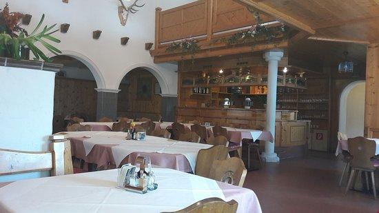 Zirl, ออสเตรีย: Restaurant