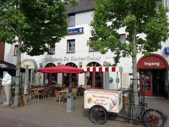 Hostellerie De Maasduinen: Marktterras