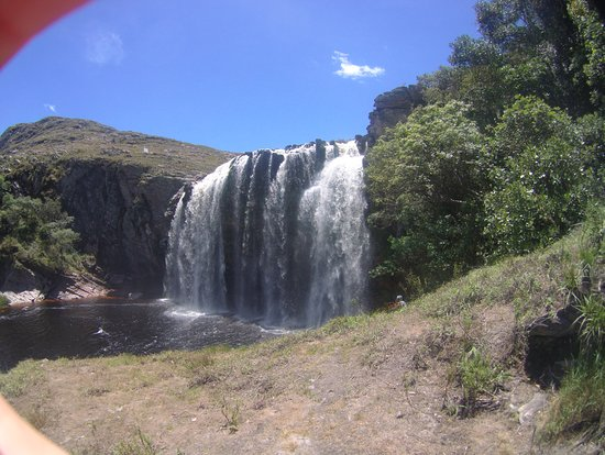 Lapinha da Serra: rio cheio