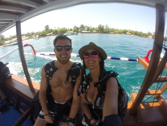 Manta Dive Gili Air: Happy divers faces! Advanced certificate done!