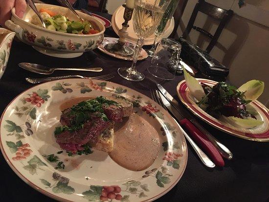 Whitchurch, UK: Fillet Steak on stilton, with homemade pepper brandy sauce
