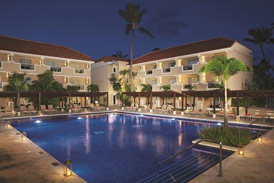 Dreams Palm Beach Punta Cana: Preferred Club Pool - Adults Section